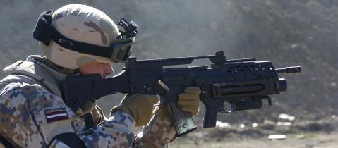 HK G36 ar zemstobra 40mm granātmetēju